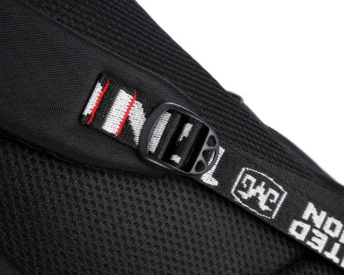 Рюкзак Fortnite с USB-портом для зарядки и разъемом для наушников (фото, вид 3)