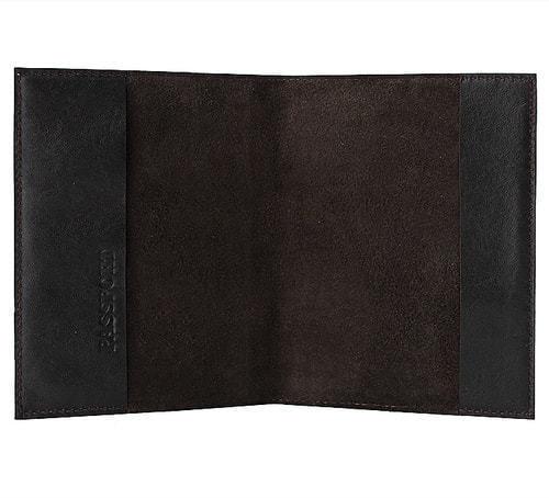 Кожаная обложка на паспорт. Нефть   Коричневый (фото, вид 1)