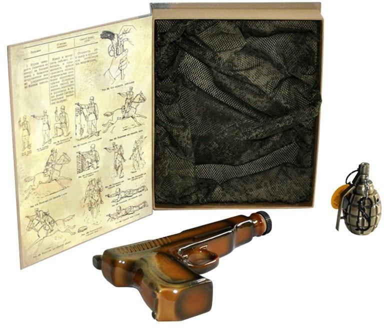 Подарочный набор с фарфоровым штофом. Наставление по стрелковому делу (фото, вид 1)