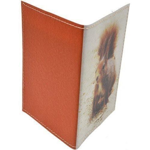 Кожаная обложка на паспорт. Белка (фото, вид 1)