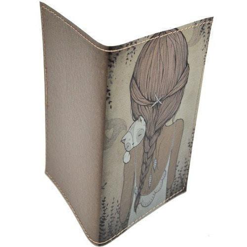 Кожаная обложка на паспорт. Девочка с котенком (фото, вид 1)