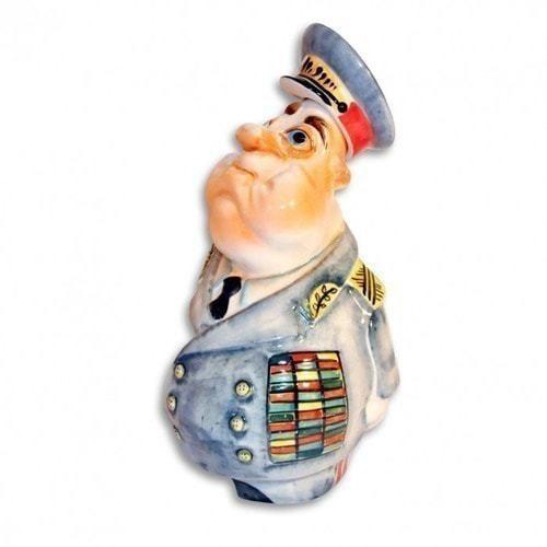 Подарочный набор. Генерал (фарфоровый штоф, 3 рюмки) (фото, вид 2)