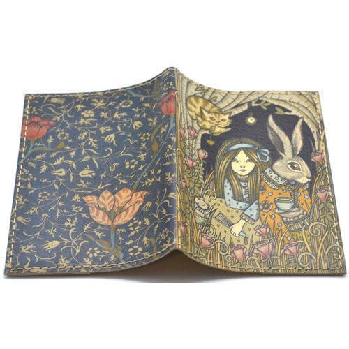 Кожаная обложка на паспорт. Алиса в стране чудес (фото, вид 1)