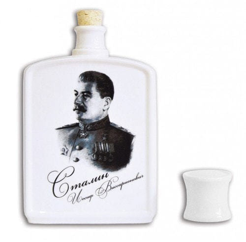 Подарочный набор с фарфоровым штофом. История России (штоф Иосиф Сталин + 3 фарфоровые стопки) (фото, вид 1)