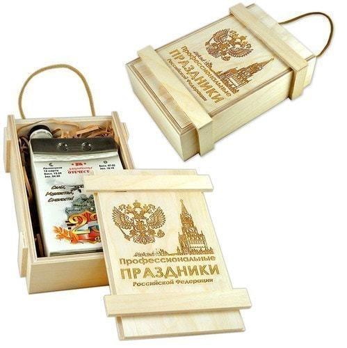 """Подарочный набор в деревянном с фарфоровым штофом """"Календарь 23 февраля"""" (фото, вид 2)"""