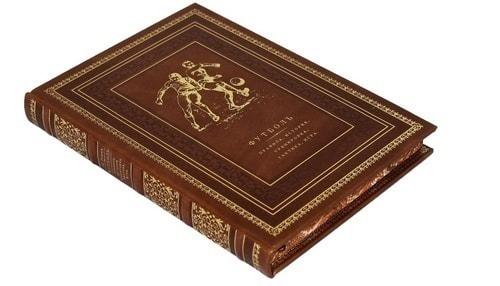 Подарочная книга в кожаном переплете. Футбол. Правила, история, тренировка, тактика, игра (фото, вид 1)