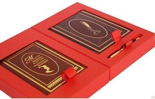 Подарочный набор с книгой и ежедневником в кожаном переплете. Мысли, афоризмы и шутки выдающихся женщин (фото, вид 2)