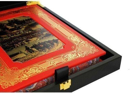 Книга в кожаном переплете и подарочном коробе. 1812 год Отечественная война. Кутузов. Бородино (фото, вид 2)