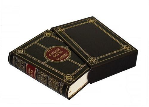 Подарочная книга в кожаном переплете. Русские князья (в футляре) (фото, вид 1)