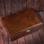 Подарочный набор мужских аксессуаров из натурадьной кожи в деревянной шкатулке. Герб России (ремень и бумажник). Вид 2