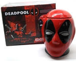 Подарочная 3D керамическая кружка Супергерои. Дэдпул (Deadpool). Вид 2