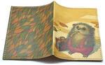 Кожаная обложка на паспорт. Ёжик с чемоданом. Вид 2