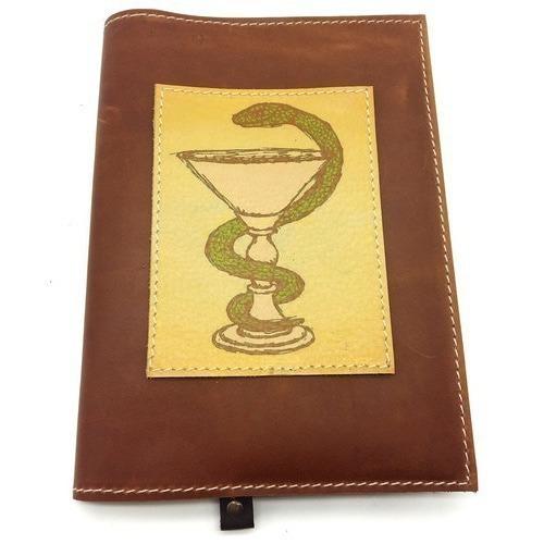 Подарочный ежедневник в кожаной обложке. Медицина - 1 (цвет коричневый) (фото)