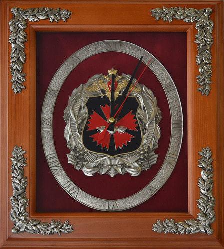 """Настенные часы """"Эмблема ГРУ"""" (29 х 34 см)"""
