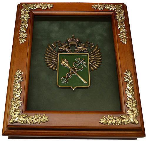 "Деревянная ключница ""Эмблема Таможни"" настенная (фото)"