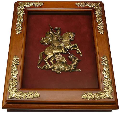 Деревянная ключница с гербом Москвы настенная (29 х 34 см) (фото)