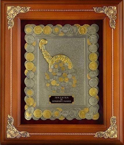 """Панно из металла в деревянной раме """"Рог изобилия"""" монеты с золочением (фото)"""