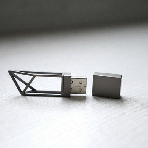 Подарочная металлическая флешка. Геометрия (цвет черный) (фото)