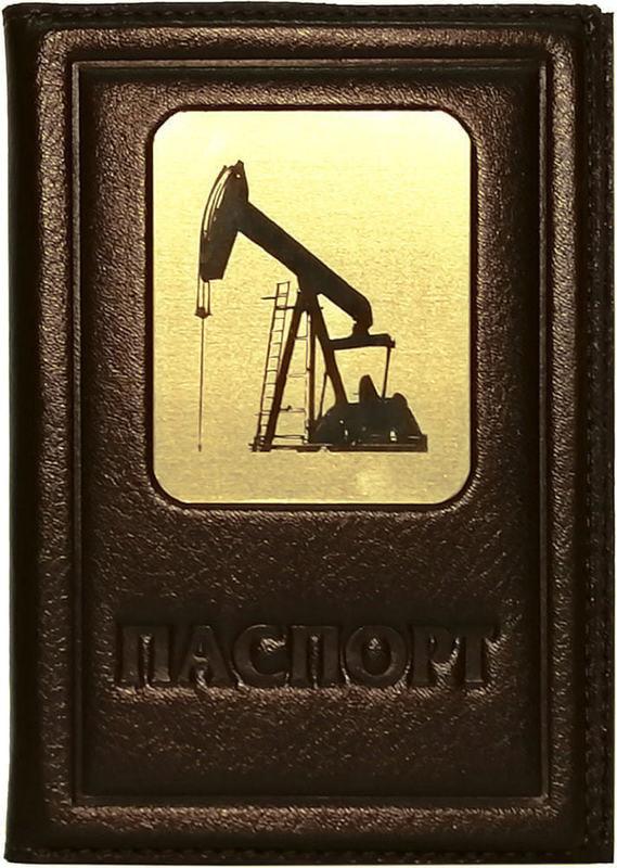 Кожаная обложка на паспорт. Нефть   Коричневый (фото)