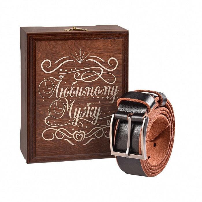 Кожаный ремень в деревянной шкатулке. Любимому мужу (цвет черно-коричневый) (фото)