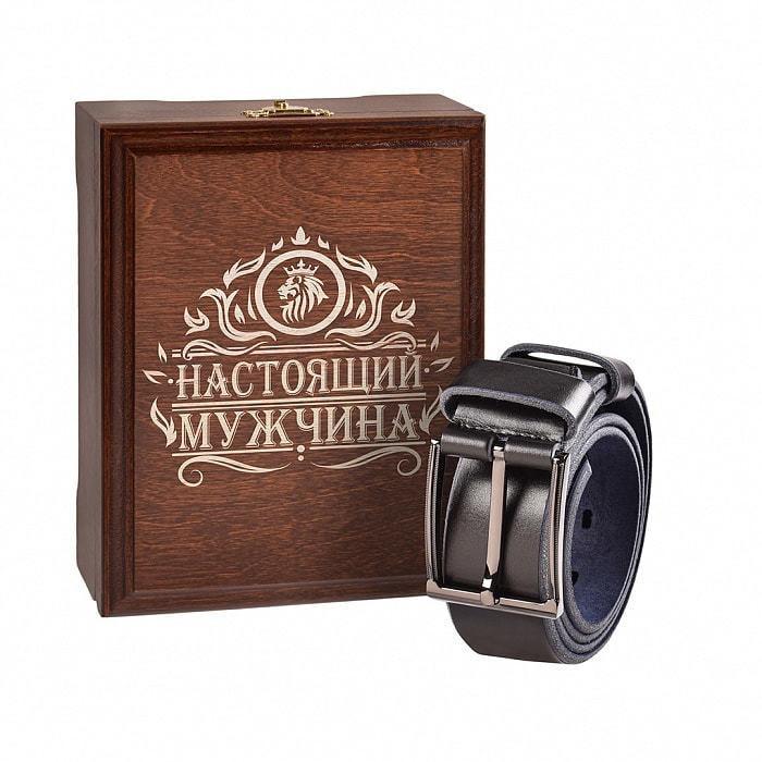 Кожаный ремень в деревянной шкатулке. Настоящий мужчина (цвет черно-синий) (фото)