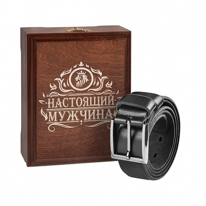 Кожаный ремень в деревянной шкатулке. Настоящий мужчина (цвет черно-серый) (фото)