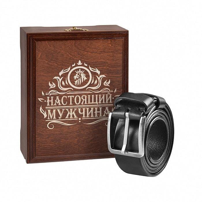 Кожаный ремень в деревянной шкатулке. Настоящий мужчина (цвет черный) (фото)