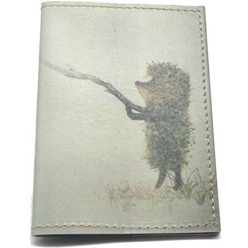 Кожаная обложка на паспорт. Ежик в тумане (фото)