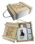 Подарочный набор в деревянном футляре. Защитнику отечества! (Фарфоровый штоф Александр Суворов + 3 фарфоровые стопки)