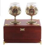 Подарочный набор c 2-мя бокалами для коньяка в деревянной шкатулке. Юбилей 60 лет и Настоящий мужчина