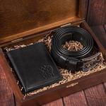 Подарочный набор мужских аксессуаров из натурадьной кожи в деревянной шкатулке. Герб России (ремень и бумажник)