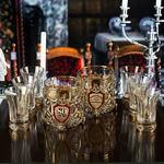 Подарочный набор с 2-мя бокалами для виски в деревянной шкатулке (8 предметов). Юбилейный 80 лет
