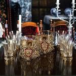 Подарочный набор с 2-мя бокалами для виски в деревянной шкатулке (8 предметов). Юбилейный 75 лет