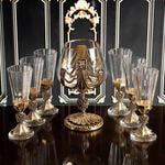 Подарочный набор для крепких напитков в деревянной шкатулке (7 предметов). Державный