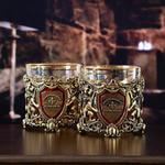 Подарочный набор с 2-мя бокалами и камнями для виски в деревянной шкатулке. Настоящий Мужчина