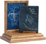 Подарочный набор с миниатюрной книгой в кожаном переплете. Райнер Мария Рильке «Стихотворения»