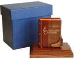 Подарочный набор с миниатюрной книгой в кожаном переплете. А.C. Пушкин «Евгений Онегин»