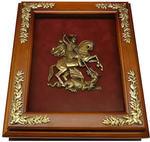 Деревянная ключница с гербом Москвы настенная
