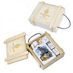 Подарочный набор в деревянном футляре. Неприкосновенный запас (Фарфоровый штоф Пограничная служба + 3 фарфоровые стопки)