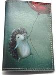 Кожаная обложка на паспорт. Ежик с шариком