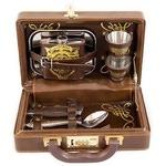 Подарочный набор для путешествий в кожаном кейсе. На двоих