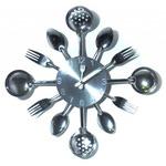 Настенные металлические часы. Вилки, ложки, поварешки (цвет металл)