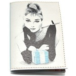 Кожаная обложка на паспорт. Одри Хепберн