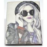 Кожаная обложка на паспорт. Девушка в очках